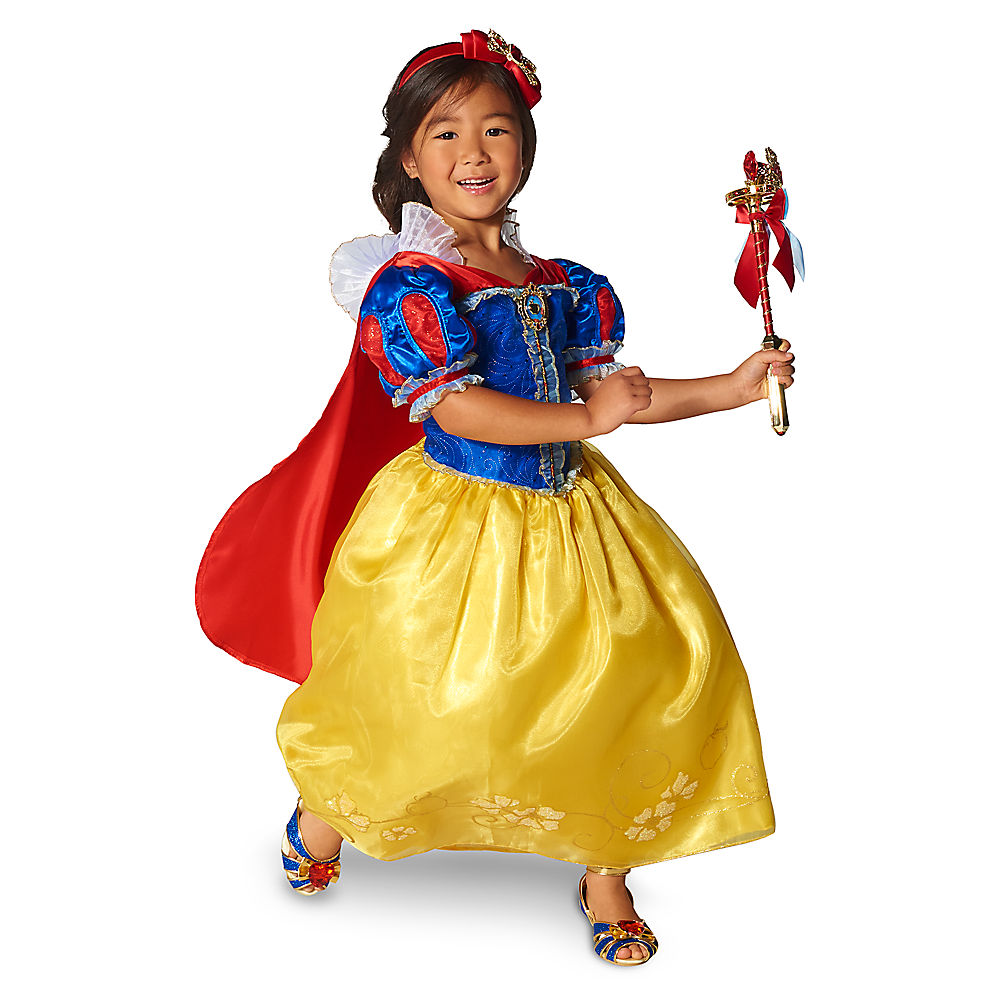 They also have amazing interactive costumes that light up and come with equally awesome light-up accessories. Check out this Elsa costume that lets your ...  sc 1 st  Donu0027t Waste Your Money & Eek! Fang-Tastic Deals On Kids Disney Halloween Costumes - DWYM
