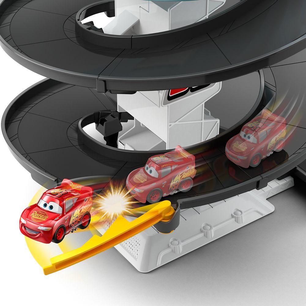 Cars Rust-Eze Spinning Raceway Playset
