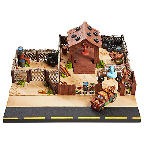 Mater Towing & Salvage Collector Playset by Mattel