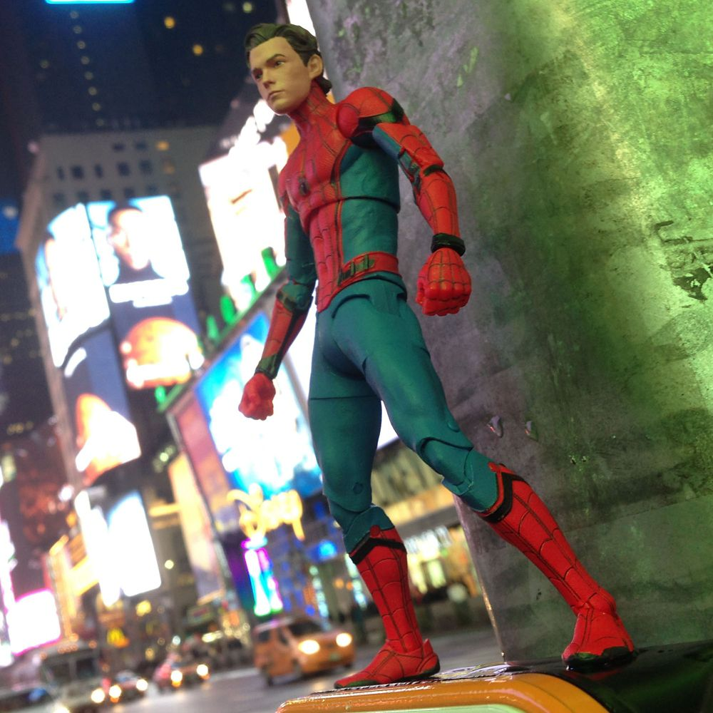 Spider-Man Action Figure – Marvel Select – Spider-Man: Homecoming – 7''