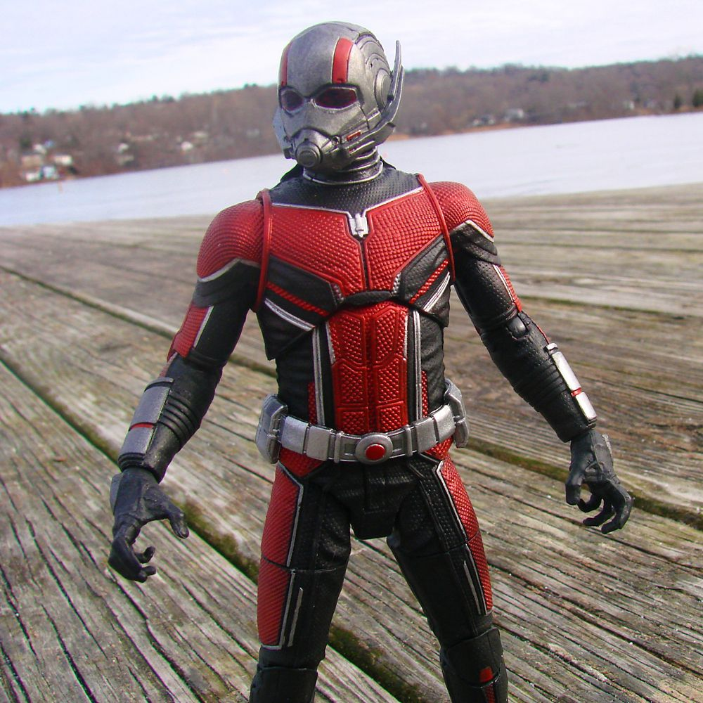 Ant-Man Collector Edition Action Figure – Marvel Select by Diamond – 6''