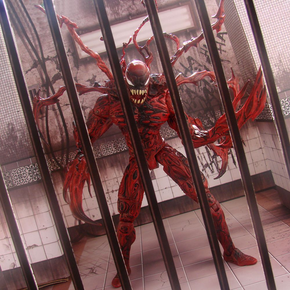 Carnage Collector Edition Action Figure – Marvel Select by Diamond – 8 1/4''