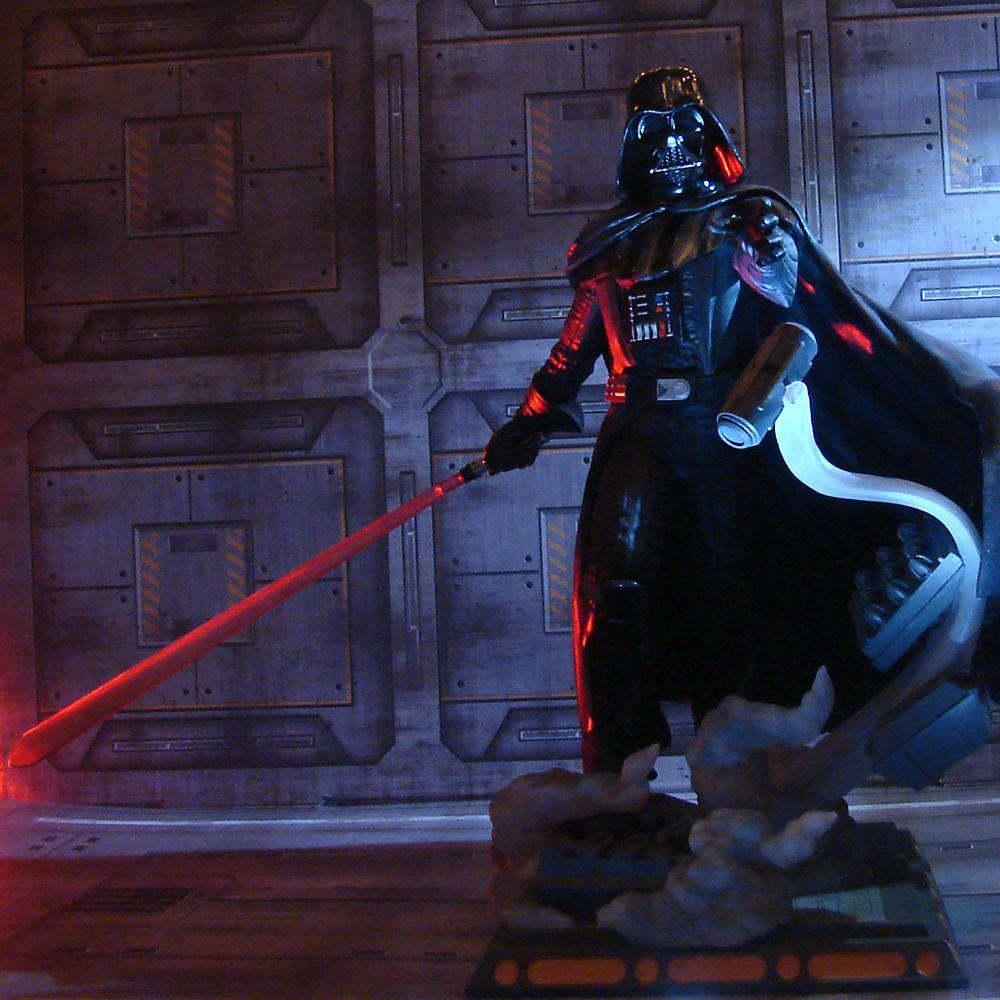 Darth Vader Diamond Gallery Diorama by Diamond – Star Wars