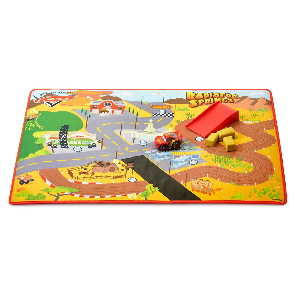 LIghtning McQueen and Radiator Springs Racing Play Mat Set – Cars