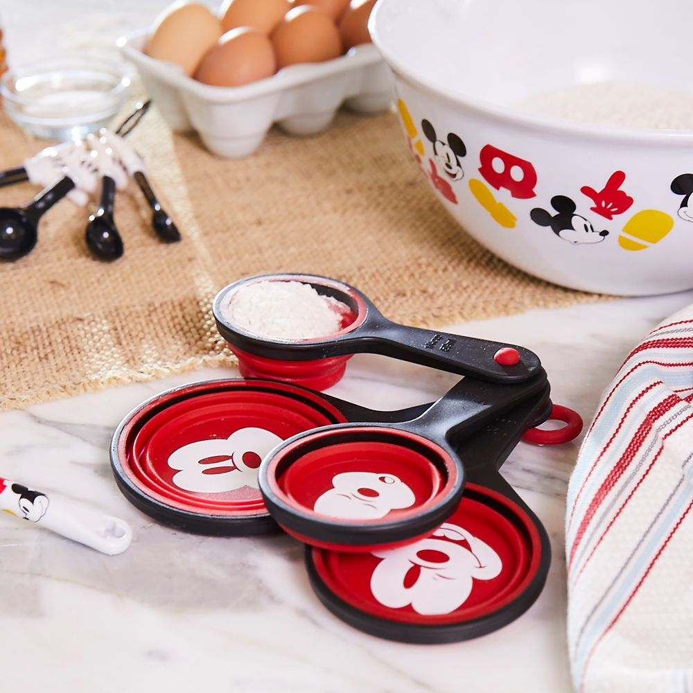 Mickey Mouse Measuring Cup Set – Disney Eats