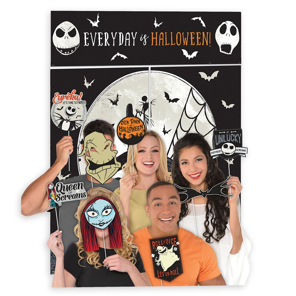 The Nightmare Before Christmas Scene Setter with Photo Booth Props