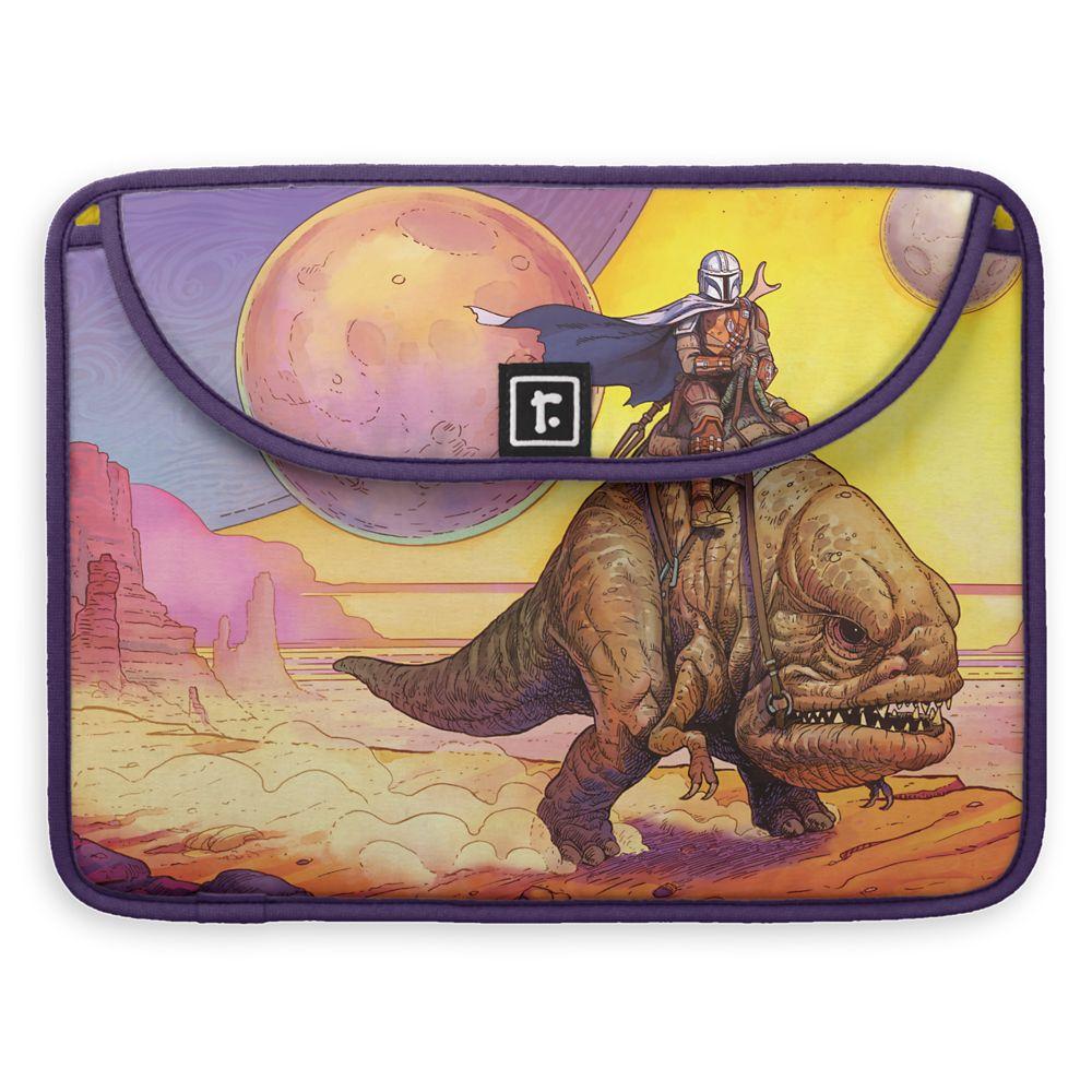 The Mandalorian Riding Blurrg Through Desert MacBook Pro Sleeve – Customizable