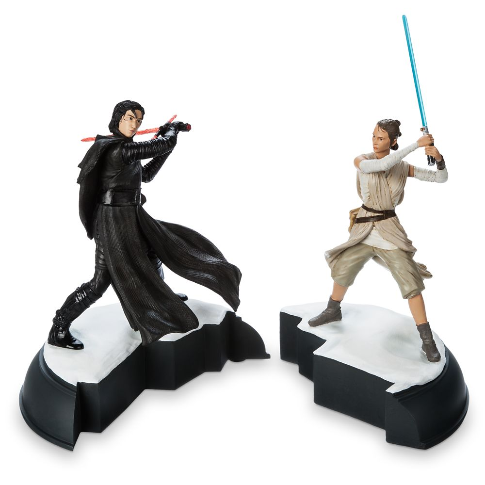 Kylo Ren and Rey Figurine Set – Star Wars: The Force Awakens