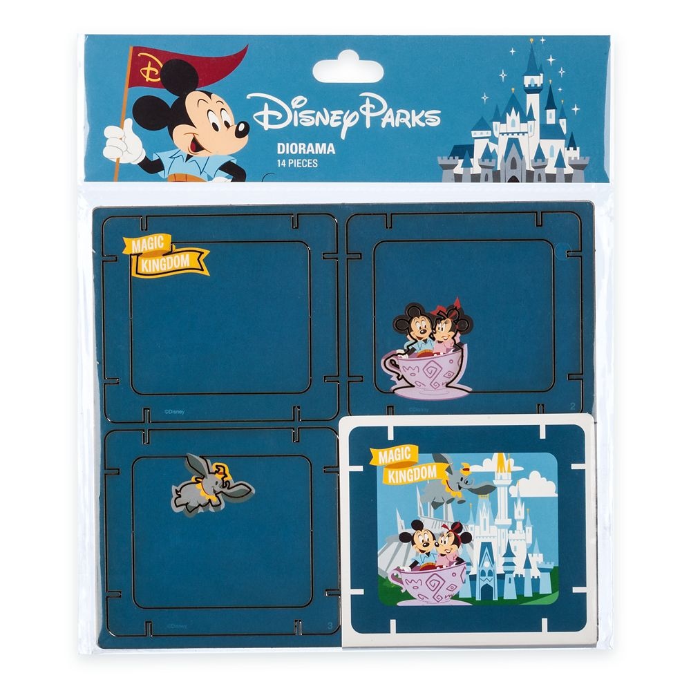 Mickey Mouse and Friends Diorama Kit – Magic Kingdom