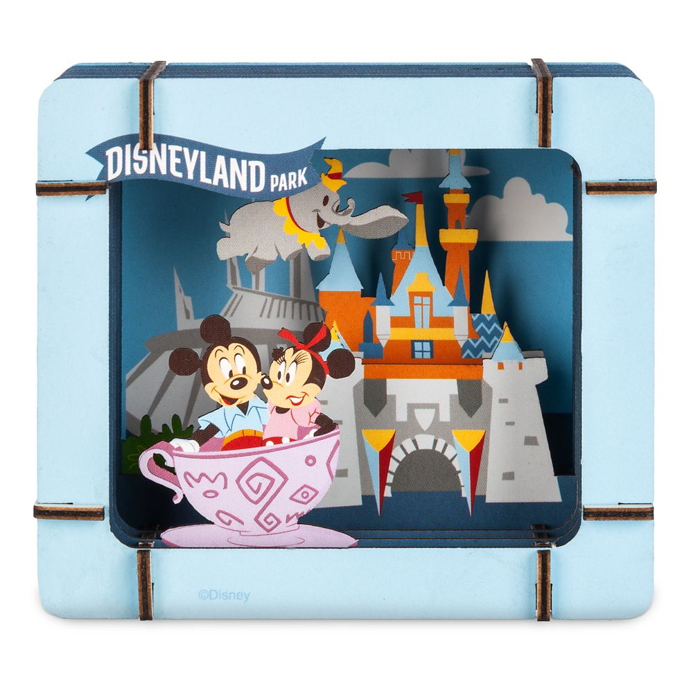 Mickey Mouse and Friends Diorama Kit – Disneyland Park