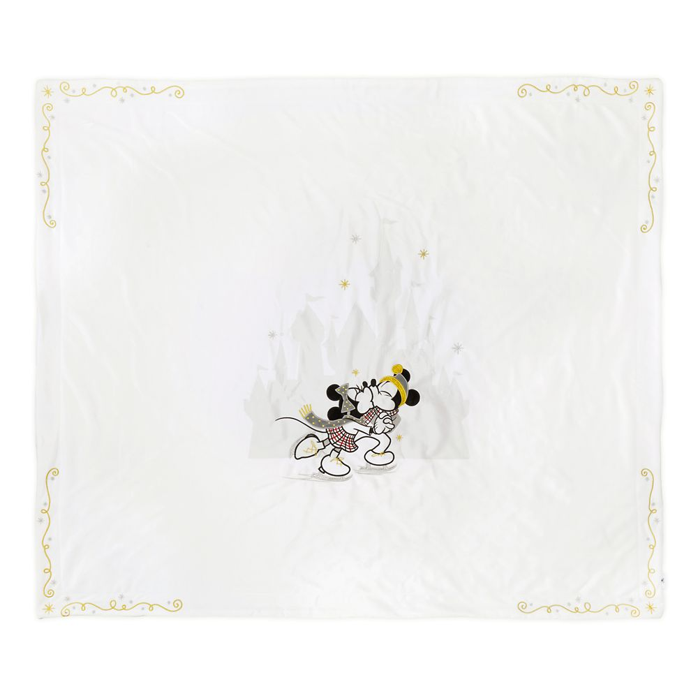 Mickey and Minnie Mouse Fleece Holiday Throw Blanket