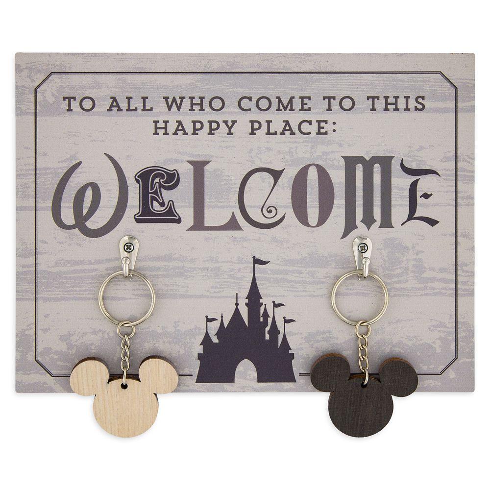 Disney Parks ''Welcome'' Key Holder and Keychains Set