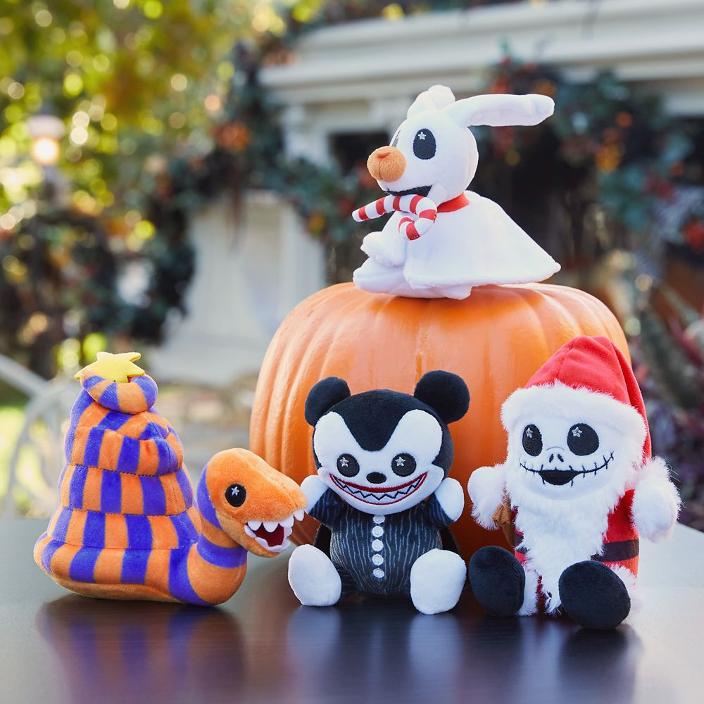 Disney Parks Wishables Mystery Plush – The Haunted Mansion Holiday Series