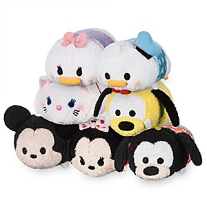 Mickey Mouse and Friends Polka Dot Mini ''Tsum Tsum'' Plush Collection