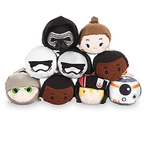 Star Wars: The Force Awakens Mini ''Tsum Tsum'' Plush Collection