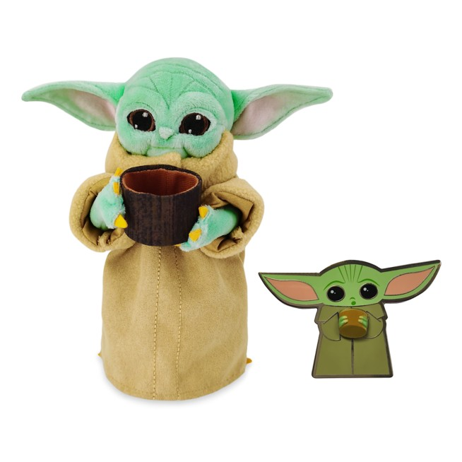 The Child with Cup Pin and Plush Set – Star Wars: The Mandalorian
