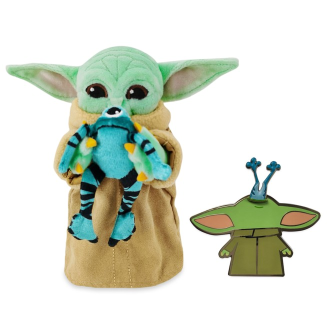 The Child with Frog Pin and Plush Set – Star Wars: The Mandalorian