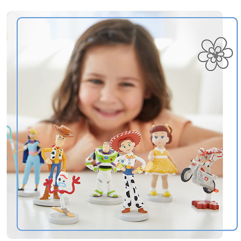 Background image of $22 Select Deluxe Figure Play Sets