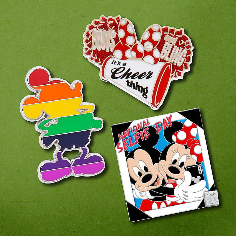 Mickey & Minnie Mouse pins