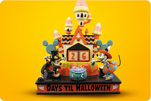 Mickey and Minnie Halloween countdown figurine